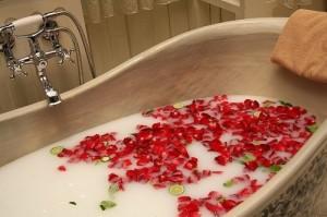 bath-bathing-flowers